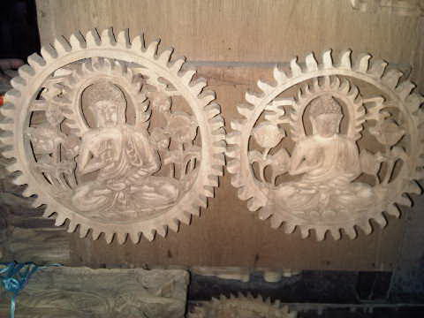 hiasan dinding budha kayu natural rp 350 000 hiasan patung